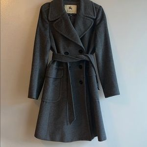 Burberry coat grate condition like new size 10